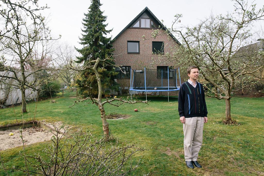 Bernd Lucke, AfD, at home in Winsen. For DER SPIEGEL.