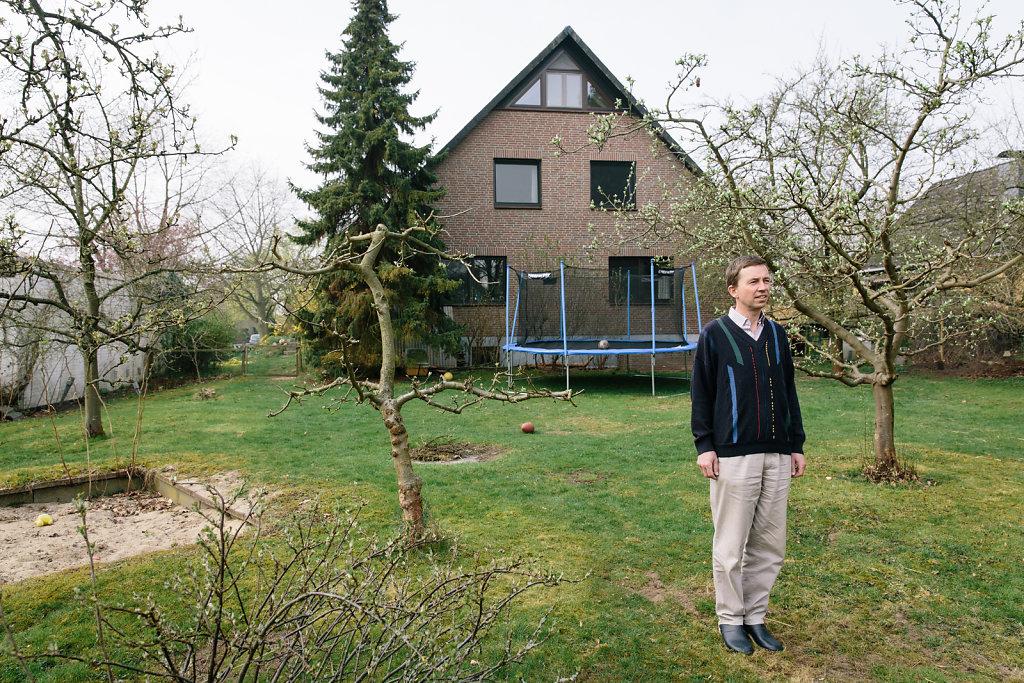 Bernd Lucke, AfD, at home in Winsen. For DER SPIEGEL.