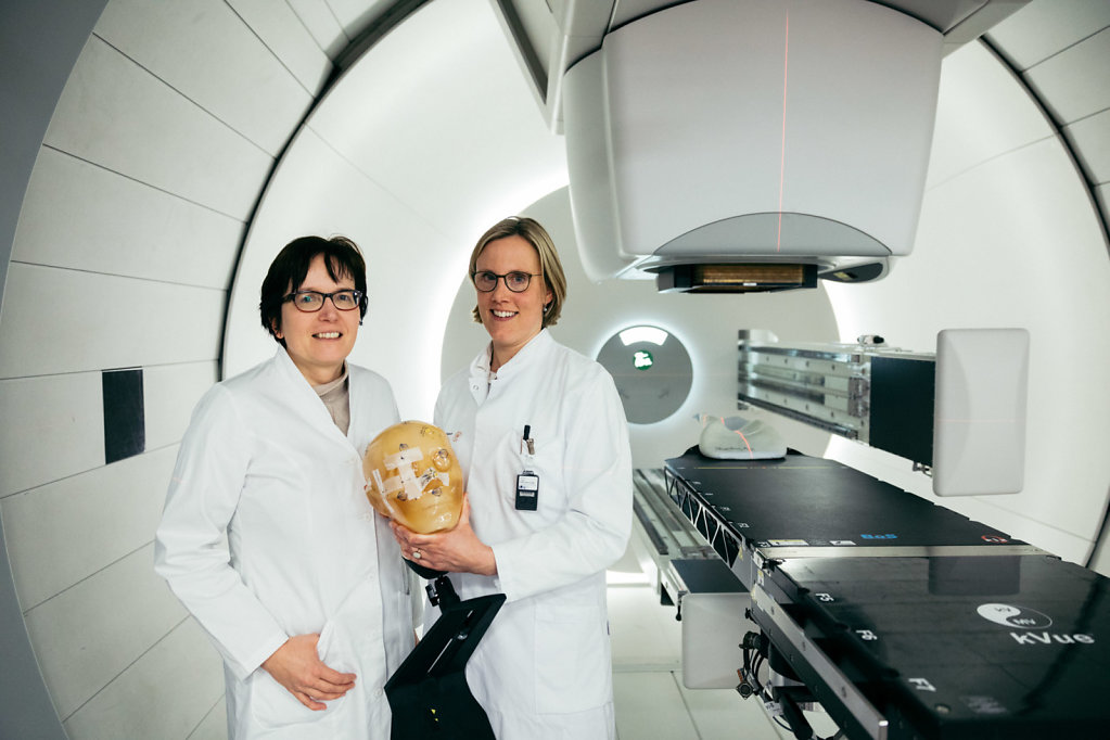 Prof. Dr. Dr. Esther Troost, Prof. Dr. Mechthild Krause, oncology